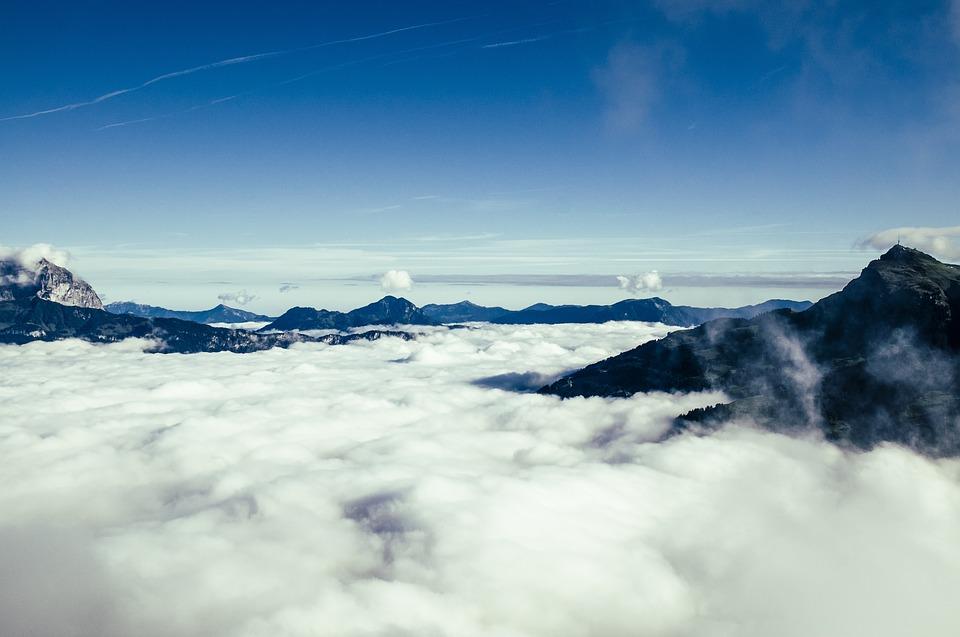Clases de nubes para predecir el tiempo en montaña – Escalada Granada